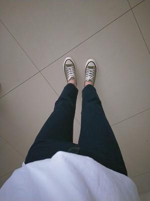 高腰直筒牛仔裤女,显高显瘦黑色烟管裤九分阔腿裤